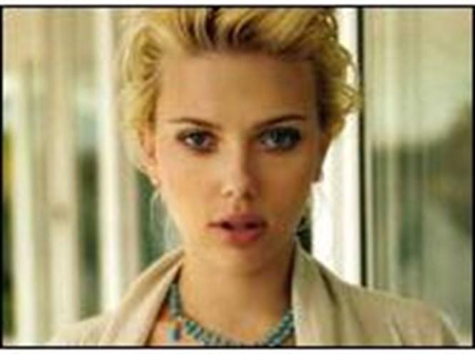 Scarlett tekeşlilikte zorlanıyor